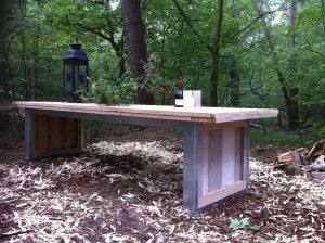 steigerhouten tafel met stalen onderstel-0