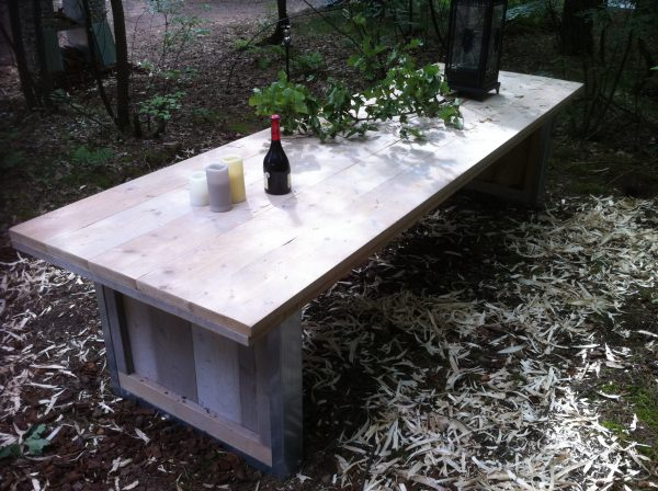steigerhouten tafel met stalen onderstel-413