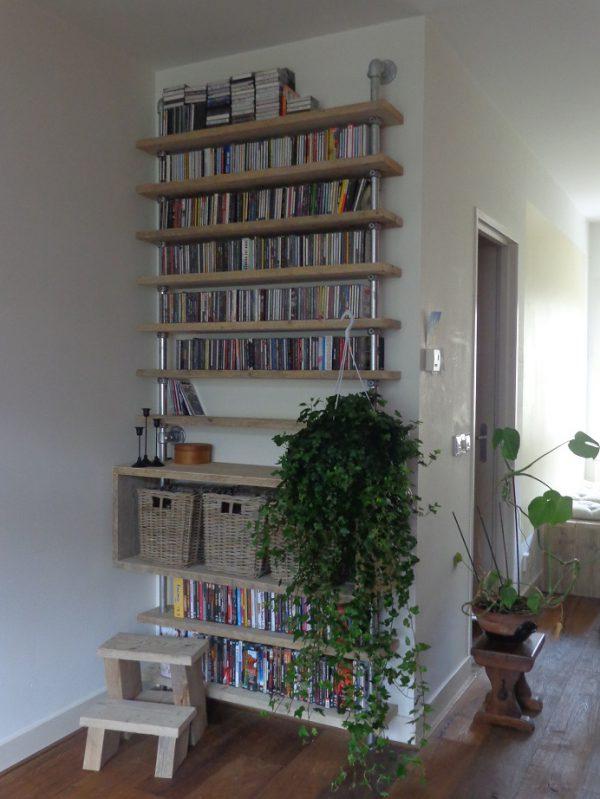 cd-rack van steigerbuis en steigerhout-736